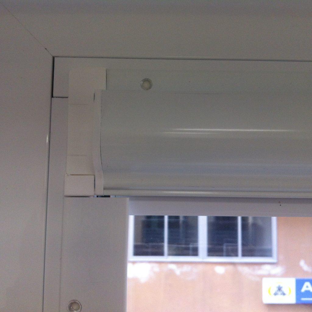 Estores para marco de ventanas oscilobatienetes o puertas